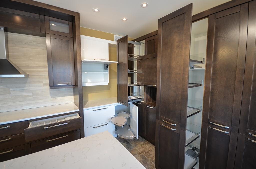 Sm11 armoires de cuisine portes et fen tres pierre for Armoires de cuisine et plus inc