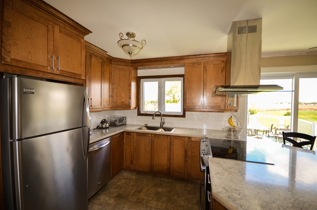 Chouinard1 armoires de cuisine portes et fen tres for Armoires de cuisine et plus inc