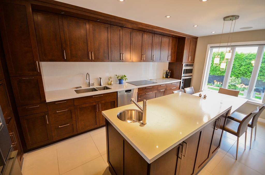 Armoires de cuisine en bois 14 armoires de cuisine for Armoires de cuisine et plus inc