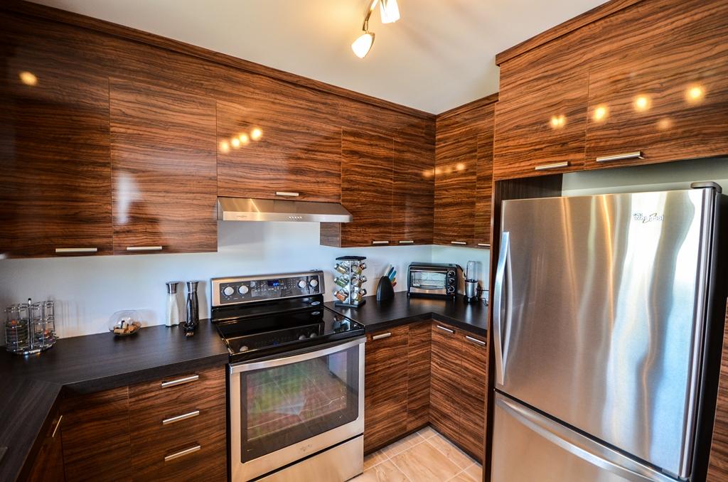 Girardot3 armoires de cuisine portes et fen tres for Armoires de cuisine et plus inc