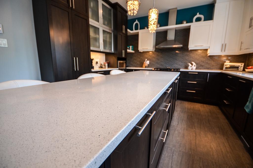 Comptoirs-de-quartz-et-granit-comptoir-quartz-comptoir-granit