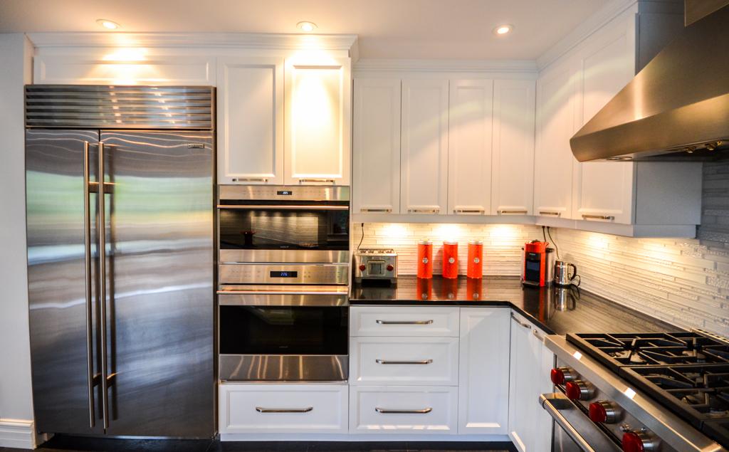 Dsc 0821 armoires de cuisine portes et fen tres for Armoires de cuisine et plus inc